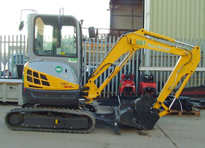 New Holland / Kobelco E 30.2